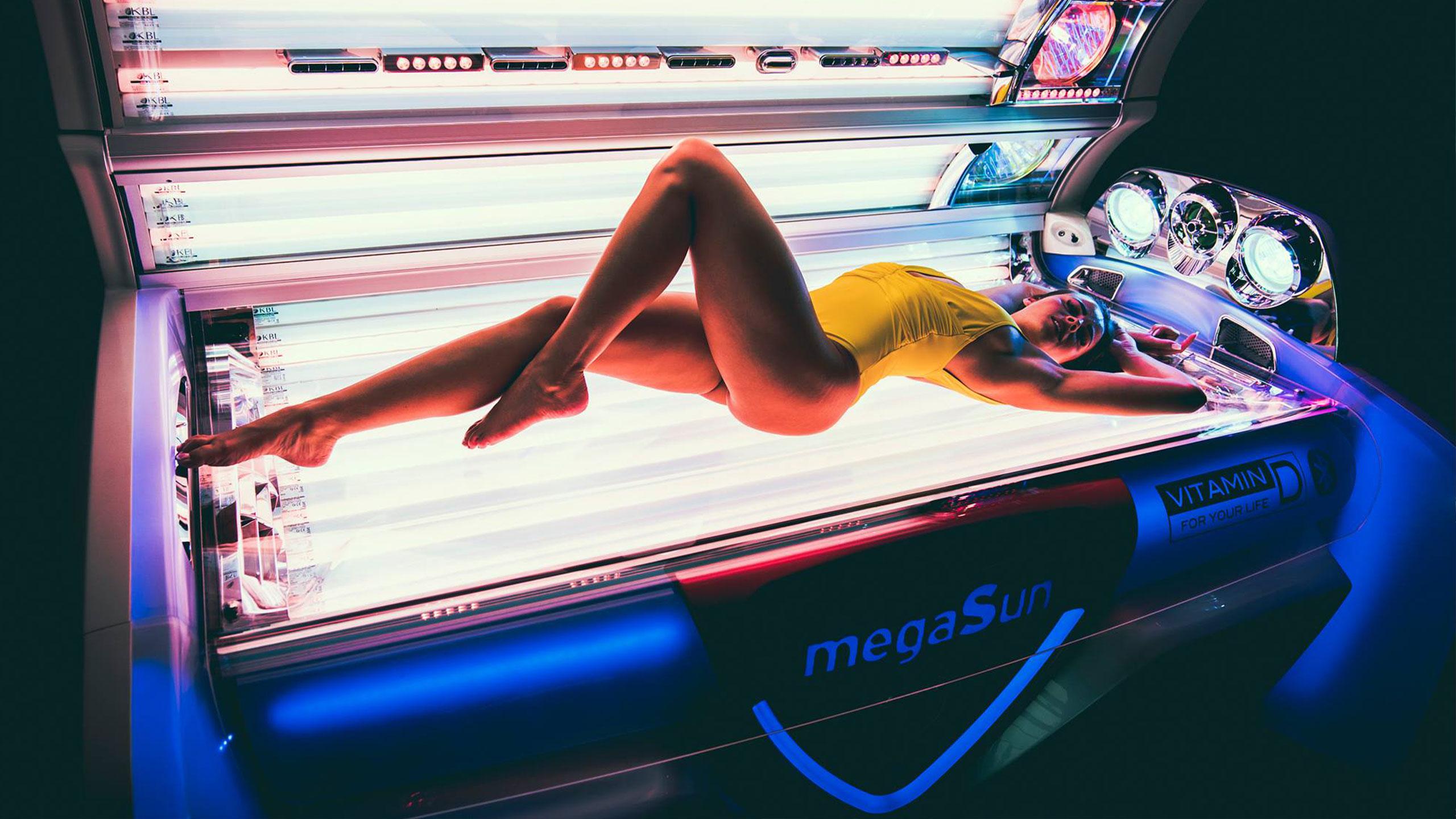 girl in lay down solarium